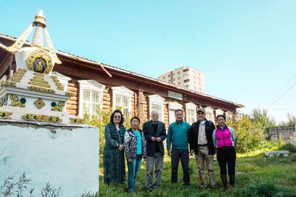 На территории Музея семьи Рерихов в Улаанбаатаре